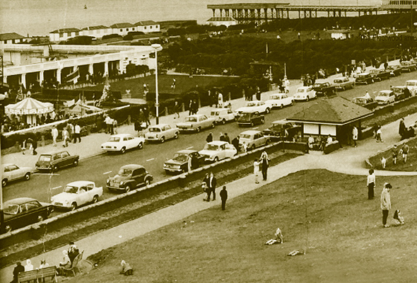 The promenade at Fleetwood, Easter Monday, 1971